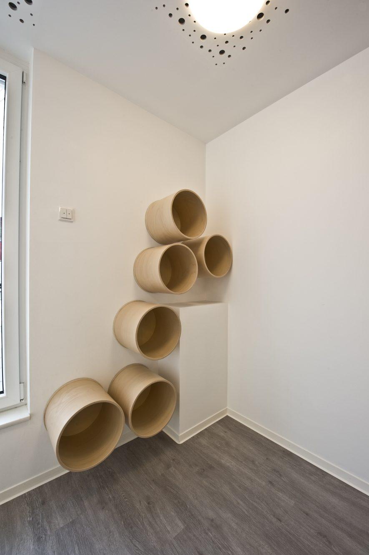 Formbau-Regal-Design-Kita-Möbelbau-Tischlerei-Rügen-www.kuk-ladenbau.de_-e1585131294590