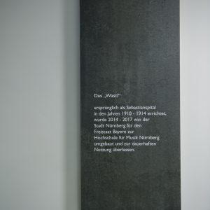 Ausstellungsbau-Texttafel-Nürnberg-Tischlerei-Rügen- Koepke&Kasiske-Möbel-und-ladenbau 03