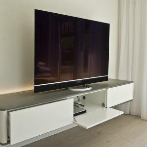 Tischlerei_Rügen_KuK-Ladenbau_TV-Sideboard
